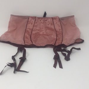 Victoria's Secret Garter Belt NWT
